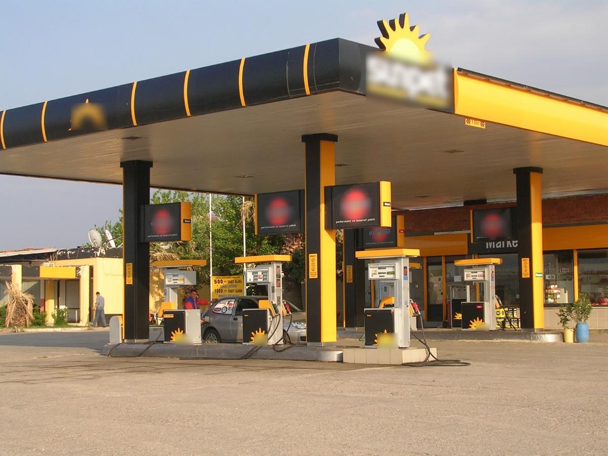 Benzinlikler, Müşteriler
